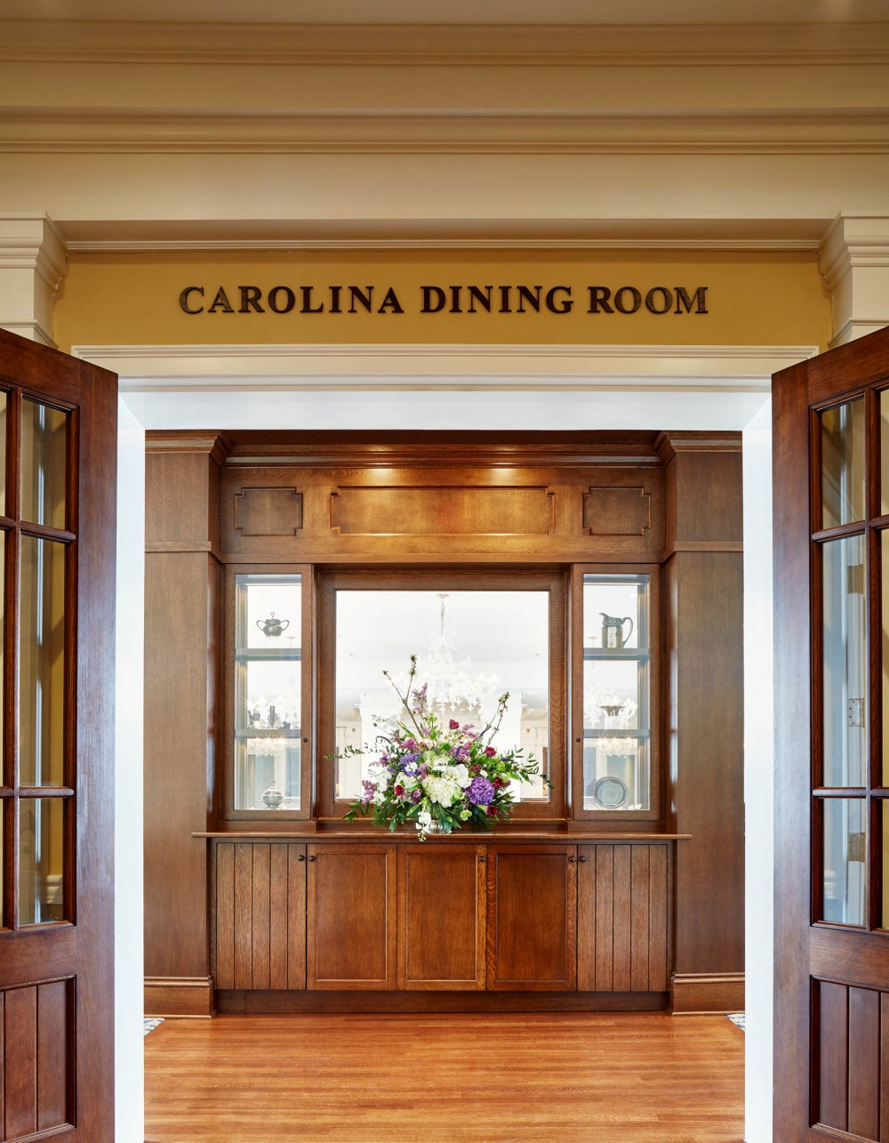 Carolina dining room pinehurst resort glav holmes for Dining room entrance